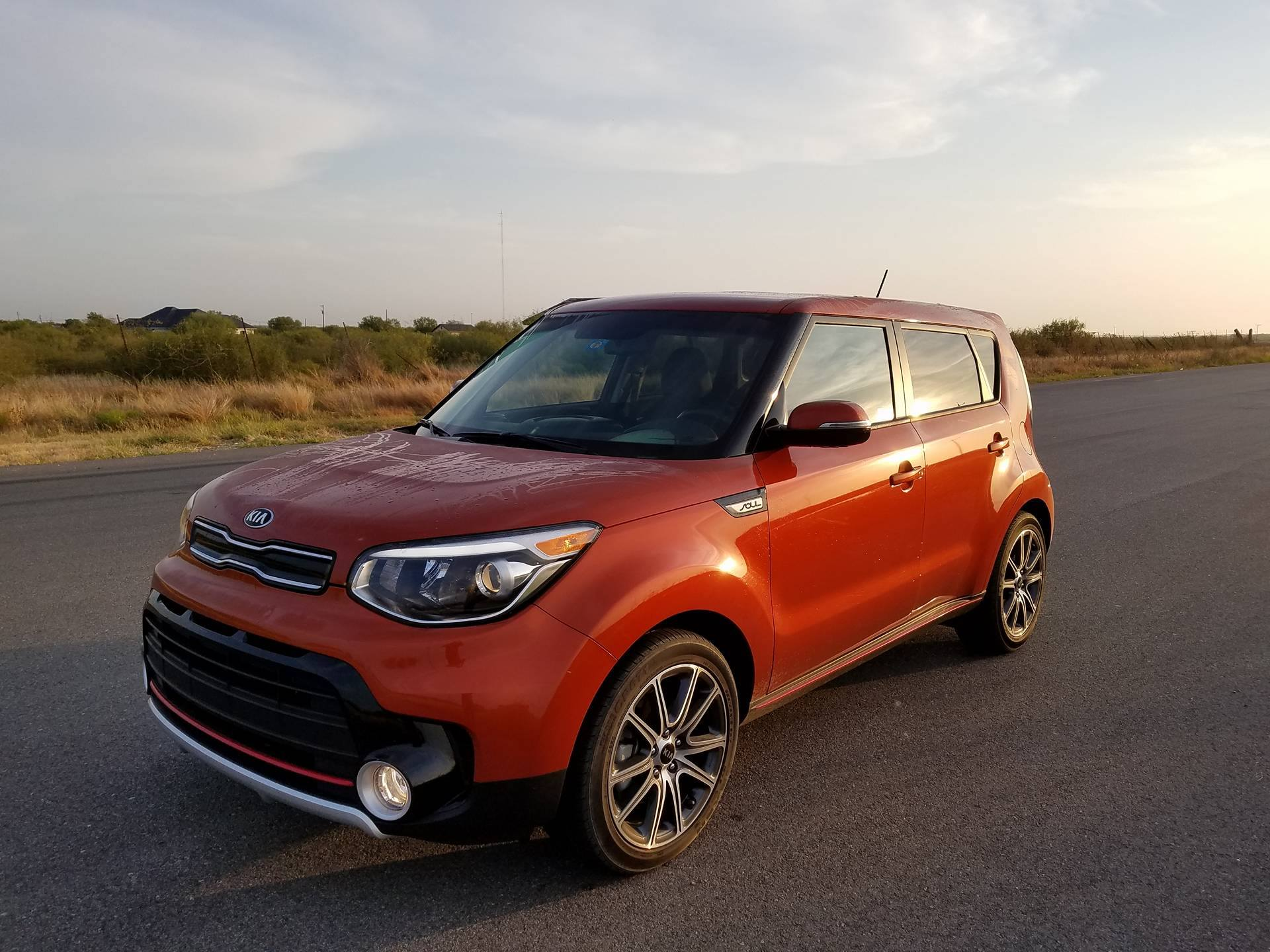 2017 kia soul turbo this hamster can dance jesus behind the wheel. Black Bedroom Furniture Sets. Home Design Ideas