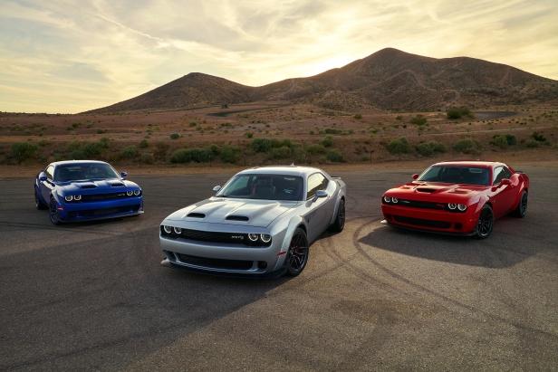 2019 Dodge Challenger Lineup: SRT Hellcat Widebody, SRT Hellcat