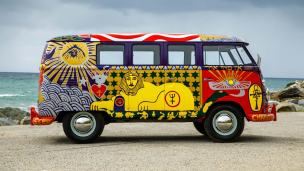 Volkswagen-Woodstock-Light-Bus-Recreation-004