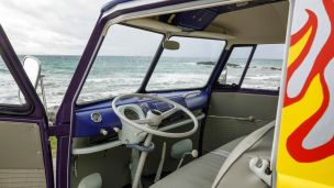 Volkswagen-Woodstock-Light-Bus-Recreation-005
