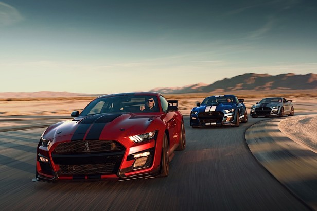 2020-mustang-shelby-gt500-hear-the-mighty-roar-of-the-most-powerful-ford-ever_56